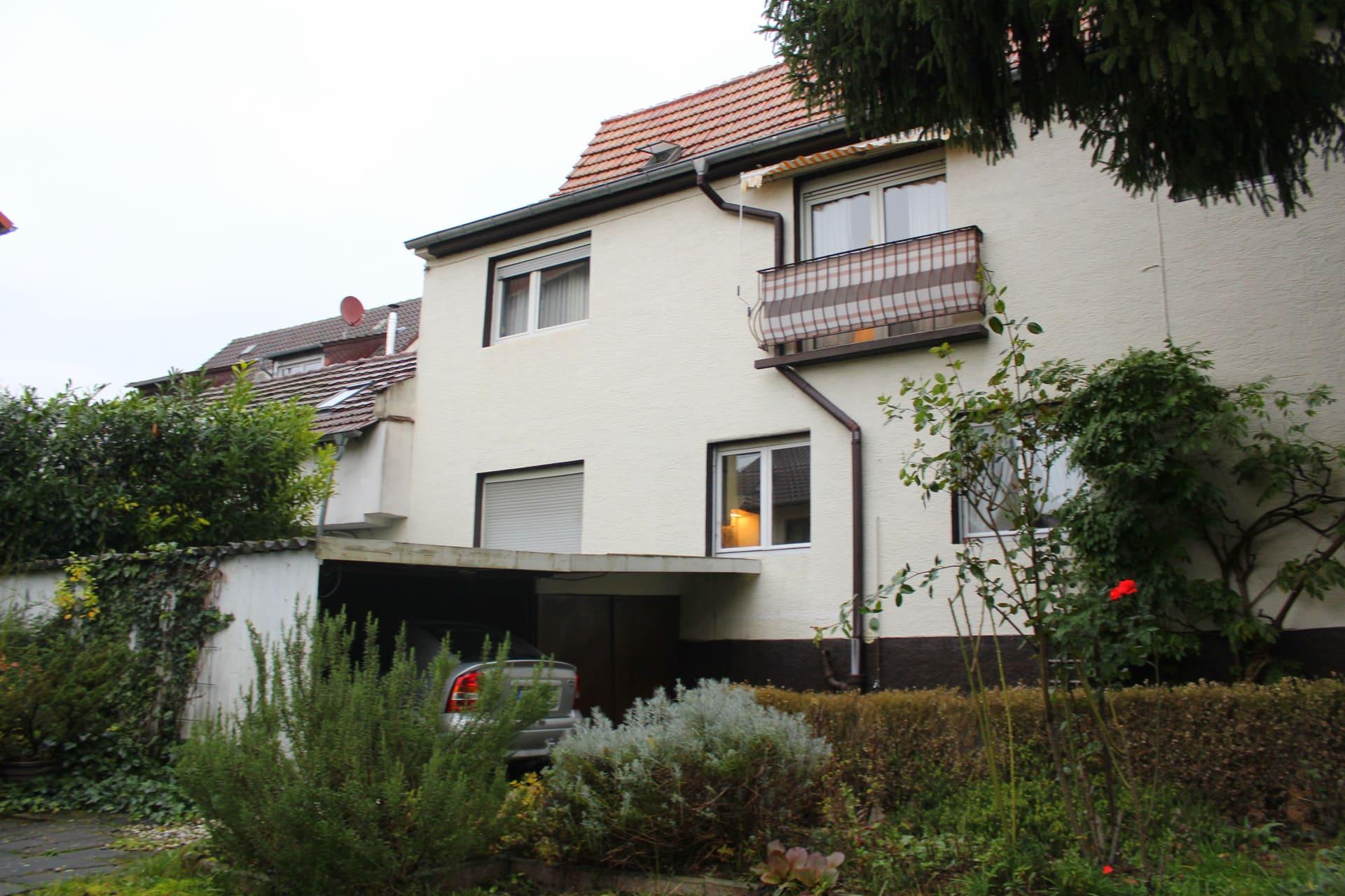 VERKAUFT im BIETERVERFAHREN - ZFH mit Garten