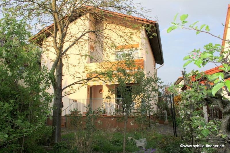 VERKAUFT - Zweifamilienhaus mit Garten